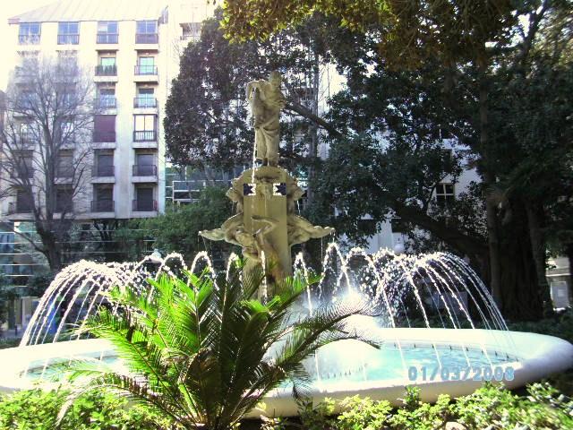 124338 alicante alacant fuente de plaza gabriel miro alicante 1 - Plaza Gabriel Miró. La plaza más hermosa revive